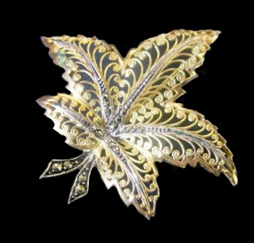 Maple gold plated leaf brooch