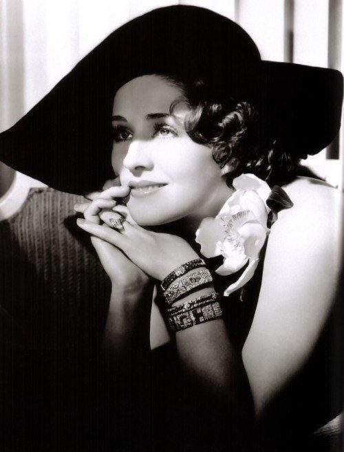 Undoubtedly, Norma was a true jewellery lover, in the photo several bracelets decorate her hands