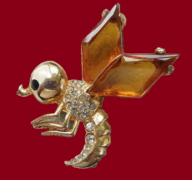 Bee brooch with large crystals in the form of wings. 1940s