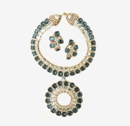 Made for Valentino Necklace with pendant and earrings, blue and transparent Swarovski crystals, framed in gilded metal. 1970 £ 1800-2000