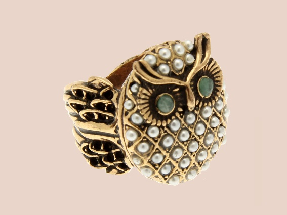 Owl ring with artificial pearls