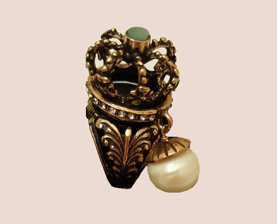Royal ring. Brass, patination, pearl majorka, emerald natural, Swarovski crystals