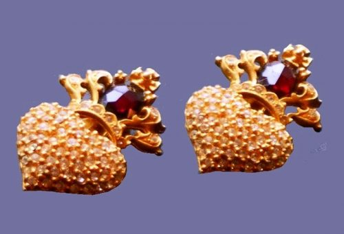 Crowned heart clips