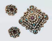 Exquisite set of brooch and earrings