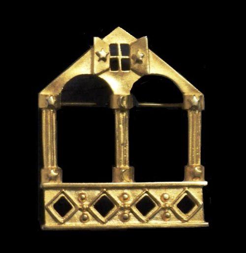 House shaped brooch