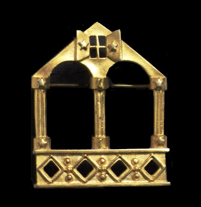 House shaped brooch