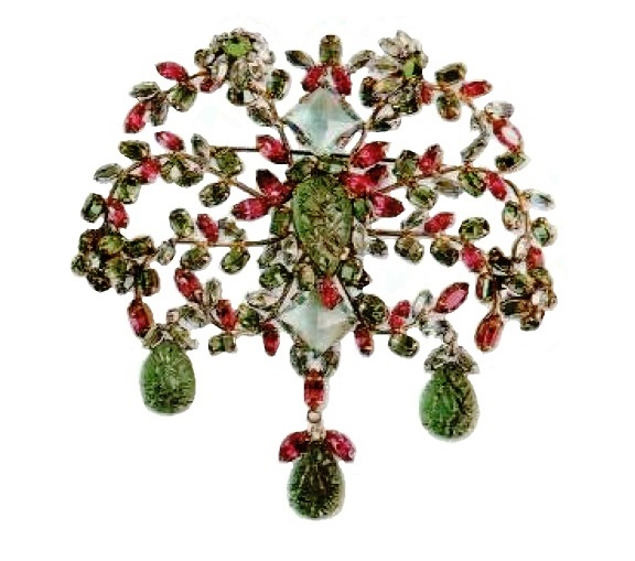 Large brooch - metal, gilding, rock crystal, aquamarine crystals, glass, emerald crystals. 1950's, width 11cm £ 1200-1300 SUM