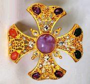 Maltese Cross matte Gold Brooch