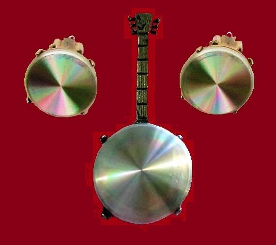 Banjo Brooch and earrings 1960s. Brooch 6 cm, earrings 2 cm. £ 25