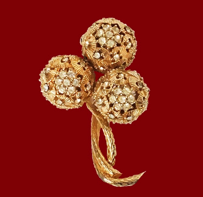 Dandelion brooch. Jewelry alloy, crystals. 5.5x3.4 cm. 1960s