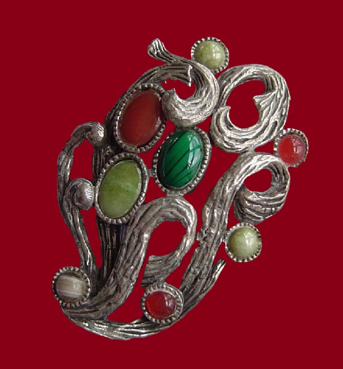 Multicolored stones brooch
