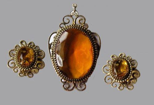 Topaz glass pendant and clip-on earrings, demi parure set