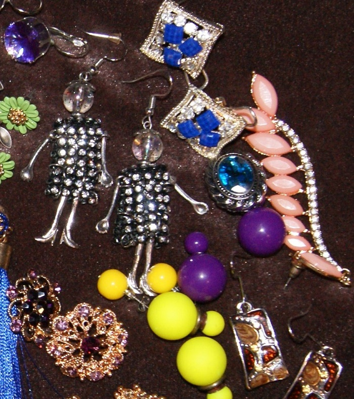 Various earrings