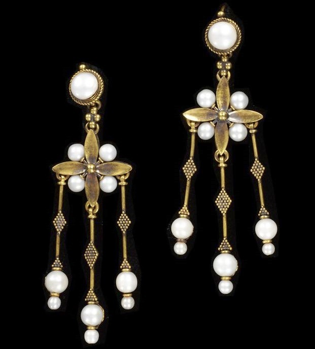 1865-1870 earrings made of gold, river pearls. Gifted to the Museum of Victoria and Albert by the sons of the master