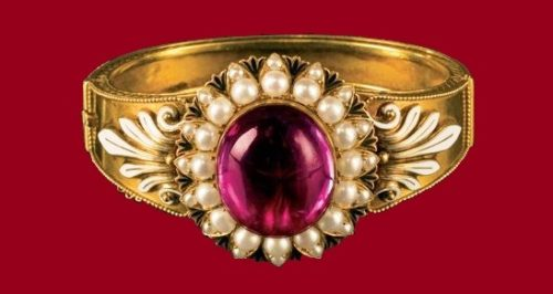 A bracelet. The middle of 19th century