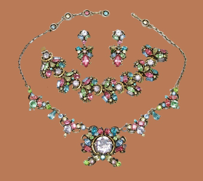 Bracelet, earrings and necklace set