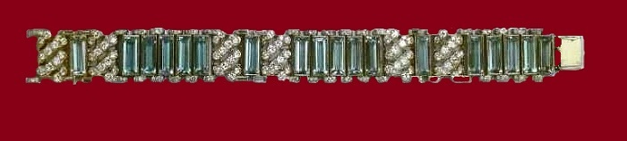 Bracelet with aquamarines and diamonds. Around 1930