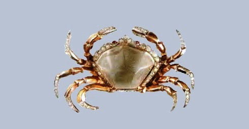 Crab brooch from the collection of Jelly Belly. Gold plated silver, gray lucite, rock crystal. 1940's. 7.5 cm. £ 600-670 TR