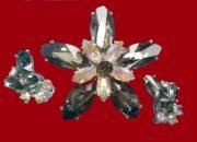 Dark gray rhinestones brooch and clips, 1950s