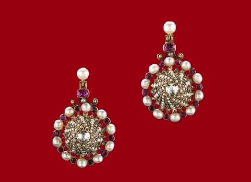Earrings. Pearls, rubies, diamonds, gold. 19th century