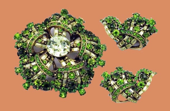 Floral motif brooch and clips