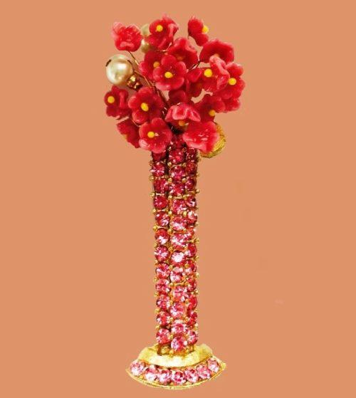 Flowers in a vase, pink brooch