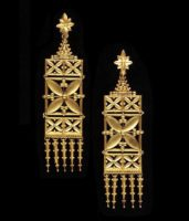 Gold earrings. Presented to the museum of Victoria and Albert by the sons of the master. 1865-1870