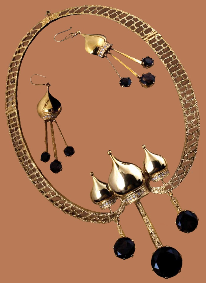 Gold-headed chime, or 'Orthodox alarm bell' necklace, earrings. Metal, gilding, rauch-topaz, cubic zirconia