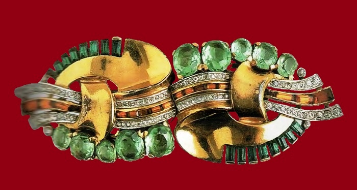 Gold-plated silver brooch, ruby ​​and emerald crystals, transparent to the 1930's. d 8.5 cm