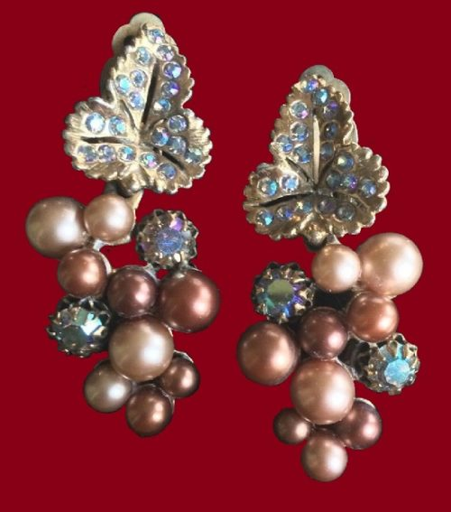 Elsa Schiaparelli vintage costume jewellery