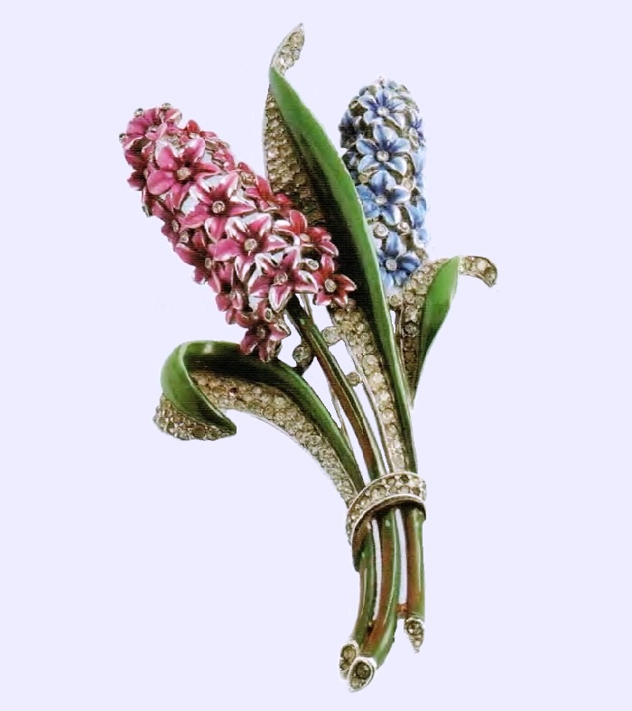 Hyacinth brooch Cold enamel and transparent rhinestone. 1940's. Ancient and rare decoration £ 450-500 CRIS