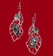 Lagoon, earrings. 2001. Melchior, bronze, shell, erklez