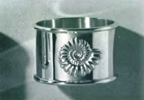 Napkin holder made of silver