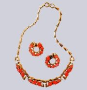 Necklace and earrings, Alfred Philippe. Gold-plated silver, coral-colored glass, rock crystal. 1940's. £ 150-200 CRIS