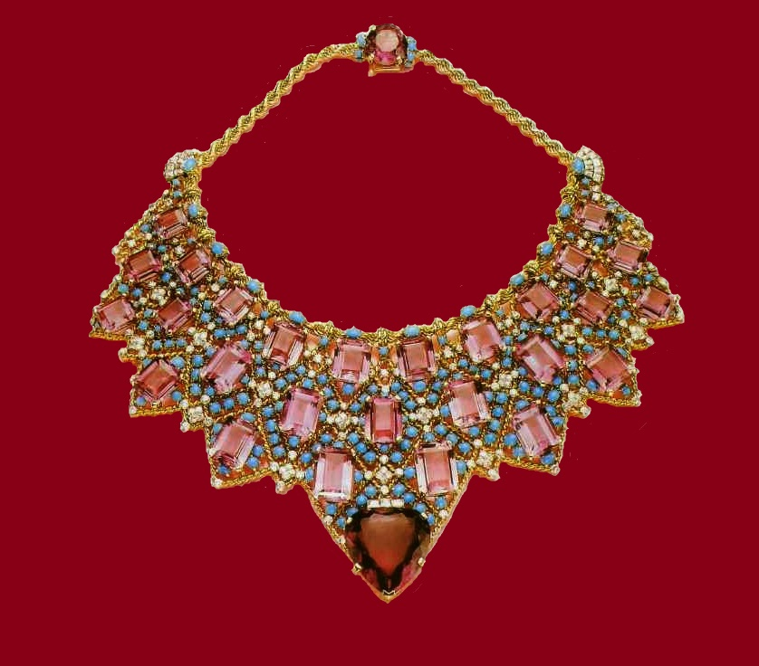 Necklace-bib with gold and turquoise and amethyst. Cartier. 1947
