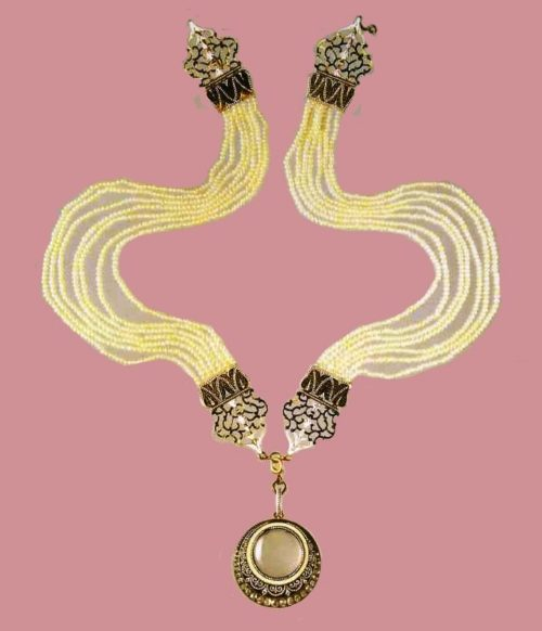 Necklace of gold, small pearl and enamel. 1890-1900. Monochrome enamel and numerous rows of small pearls