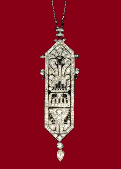 Pendant Necklace, onyx and diamonds - a mixture of classical and oriental influences. 1920. Paris. In the early 1920's Cartier produced many such ornaments