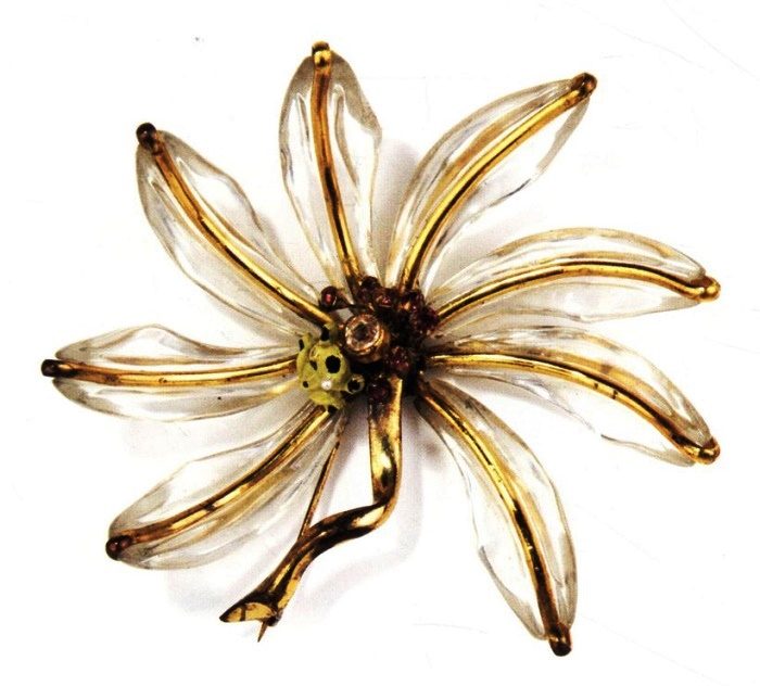 Pond Lily. 1941. Manufacturer Sandor Goldberger for Fred A.Block Inc. Gold plated metal, lucite, enamel