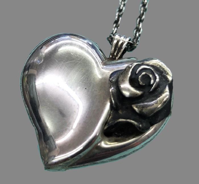 Rose heart silver pendant