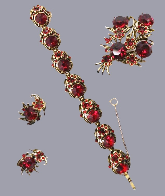Rose set of necklace, earrings and brooch