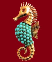 Seahorse brooch. Metal, gilding, turquoise and ruby cabochons. 1950's. 11.5 cm £ 30-40 CRIS