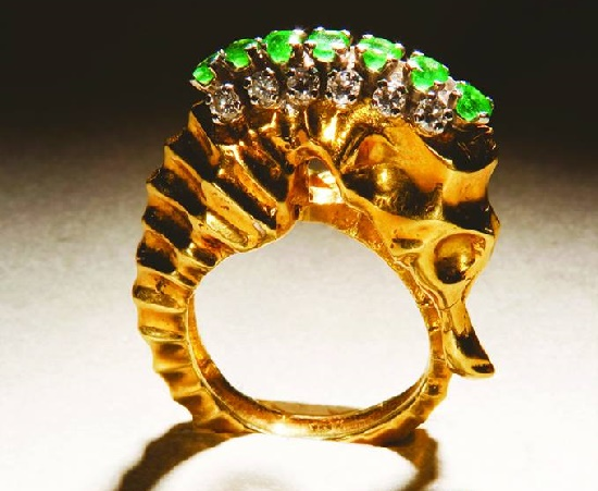 Seahorse gold ring