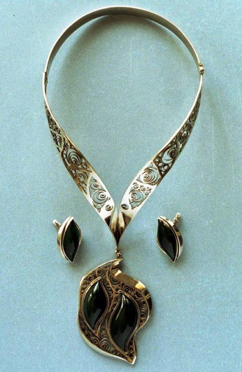 'Summer dreams' necklace and earrings. Silver, nickel silver, nickel
