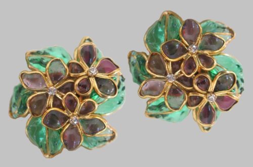 Traditional floral motif - the main theme for jewelers