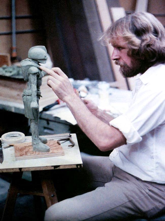American artist, sculptor and jeweler Ralph Massey in 1970s