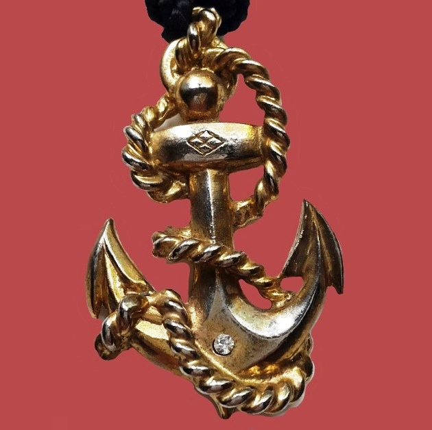 Anchor with chain, vintage pendant of the 1980s. Metal, rhinestones. Size 9x3cm