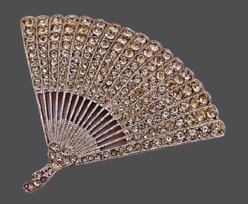 Art Deco Style fan brooch. 1950s
