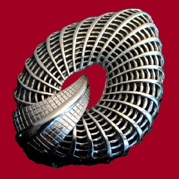 Basketweave Shell Shaped Brooch. 1950s