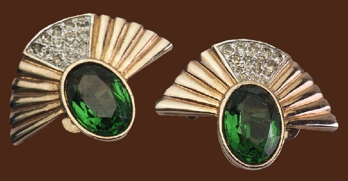 Beautiful vintage gold tone metal green crystals fan clip on earrings