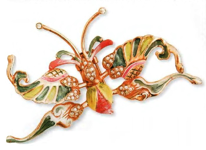 Butterfly, fur clip. Gilded silver, colored enamel. 1940s 9cm. £ 285-315 RG